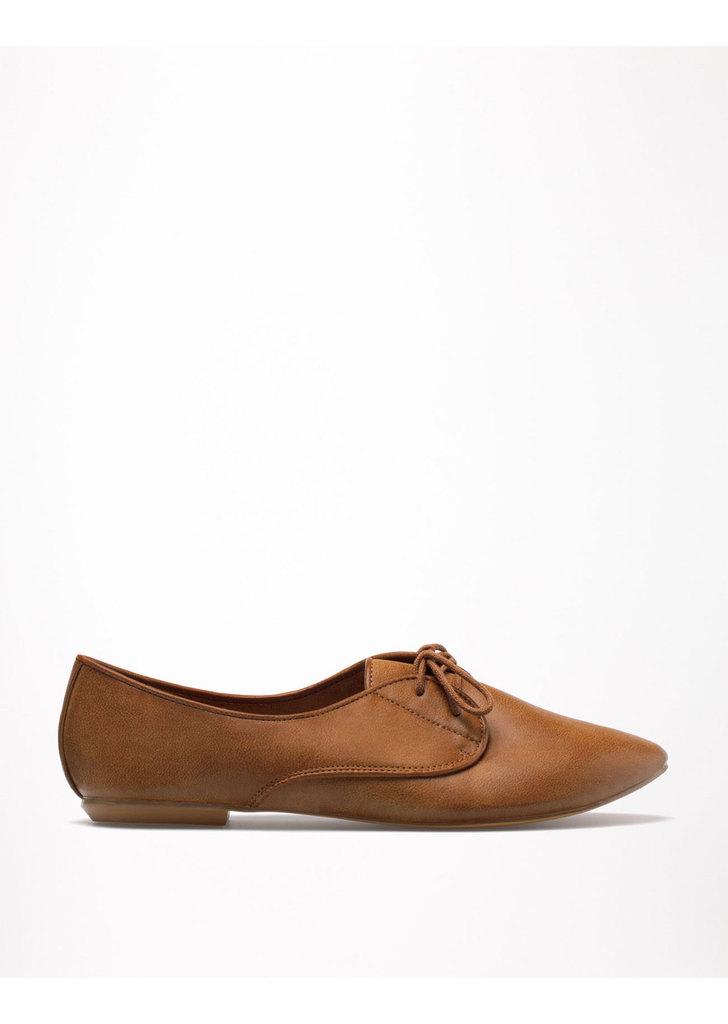 Bershka lapos fűzős cipő ... 184040a903