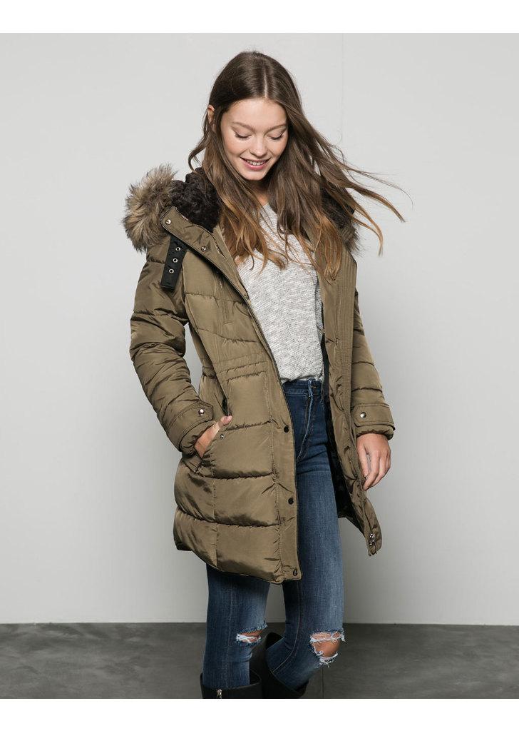 Bershka steppelt kapucnis női kabát fotó 0fa8694b3b