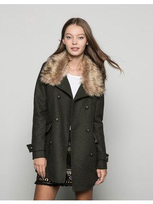Bershka mesés női szőrmegalléros kabát 776c456fb0