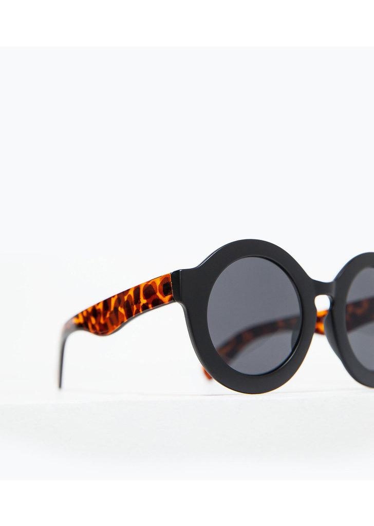 ... Zara köralakú napszemüveg teknőcmintás szárral ... 6cef404f16