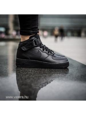 28e72e65d2 Eredeti NIKE magasszárú fiú cipő 35,5-es - Vatera, 4 200 Ft | #221848