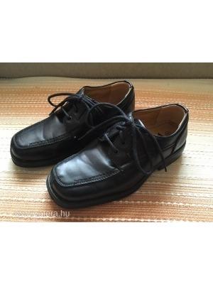 59013baaf8 32-es fekete, fűzőss ünneplő fiú cipő alkalmi viselet << lejárt 285716