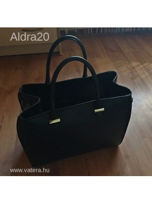 52a65045db82 H&M kígyóbőr mintás nagy pakolós fekete táska - Vatera, 4 500 Ft