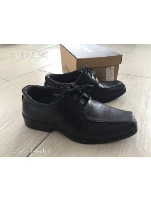 440ab30352 Fiú alkalmi cipő 32-es méret - Vatera, 1 900 Ft   #264310 <<