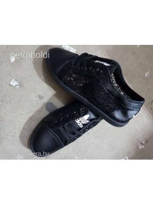 5d91807c56 Adidas csipkés cipő fekete 39-s Új NMÁ - Vatera, 1 501 Ft | #294688