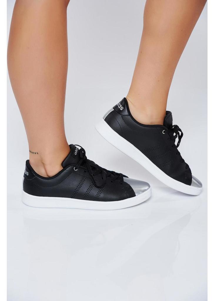 Fekete Adidas hétköznapi sport cipő fémes jellegű orral - 383910bea7