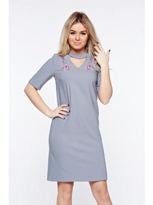 63112ffac6 Szürke StarShinerS elegáns hímzett ruha enyhén rugalmas szövet egyenes  szabás << lejárt 564195
