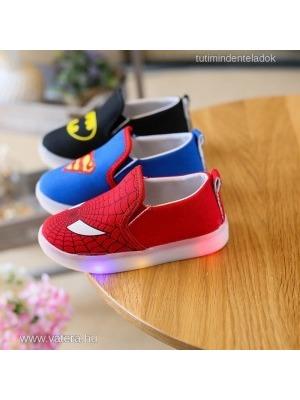 6b632efb01 baba,gyerek,világító talpú led cipő,fiú,superman,batman,spiderman