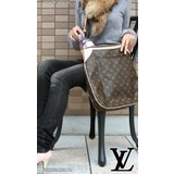 Louis Vuitton ODEON MM Női Táska Bőrből M56389 << lejárt 290028